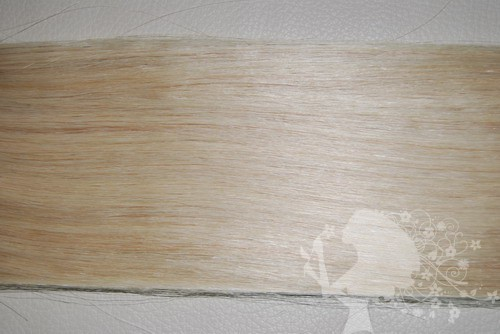 Волосы на трессе на капсулах