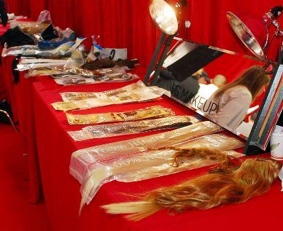 волосы на заколках для шоу Victoria's Secret
