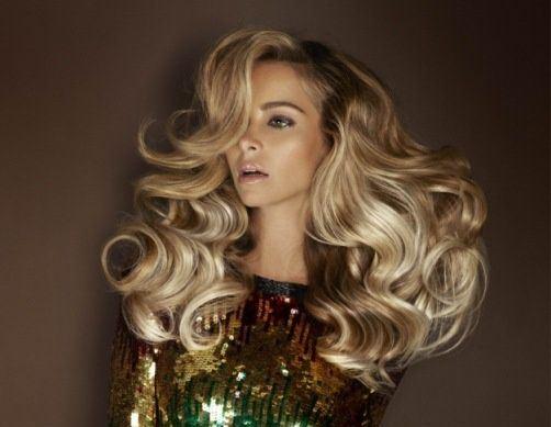 как придать объем волосам, волосы на заколках для объема